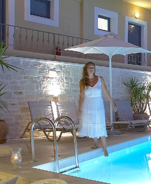 LA STELLA HOTEL APARTMENTS AND SUITES