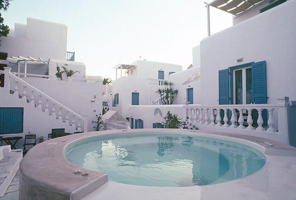 CARBONAKI HOTEL