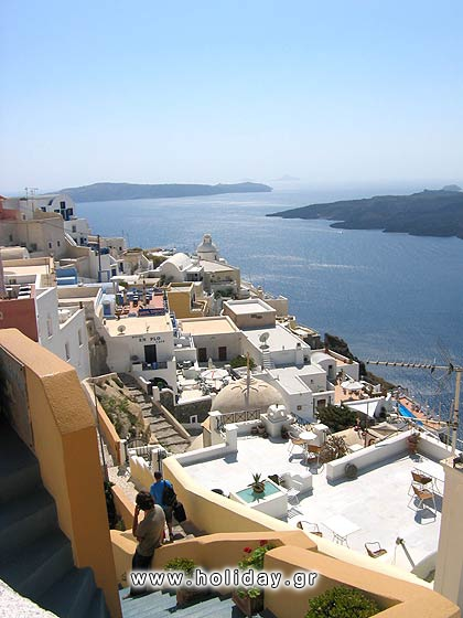 Fira: the picturesque town